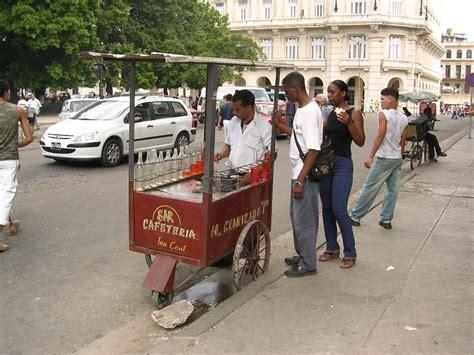 El Fogonero: Café con leche y pan con mantequilla
