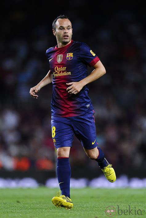 El futbolista Andrés Iniesta : Fotos en Bekia