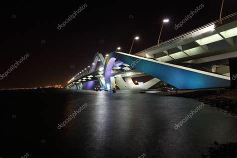 el jeque zayed puente por la noche, abu dhabi — Fotos de ...