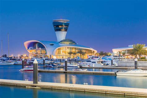 El lujo árabe vive en Abu Dhabi - Código Único