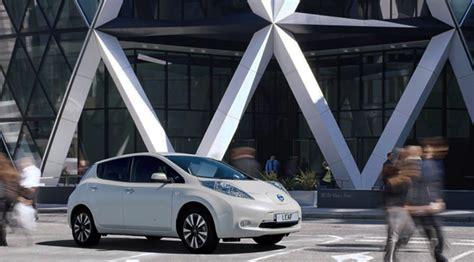 El precio de los coches eléctricos tardará una década en ...