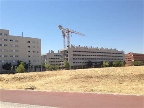 El precio del suelo urbano cayó un 2,4% en el cuarto ...