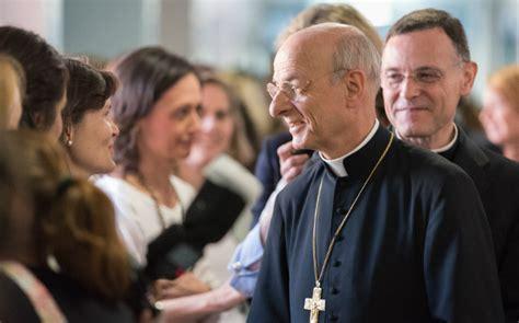 El prelado del Opus Dei pide más oración por el Papa en su ...