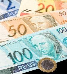 El real brasileño es la moneda más sobrevalorada, según ...