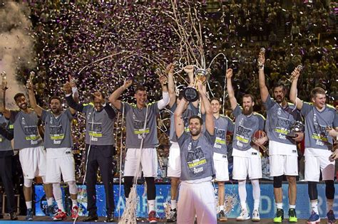El real madrid campeón de la copa acb | Marca.com