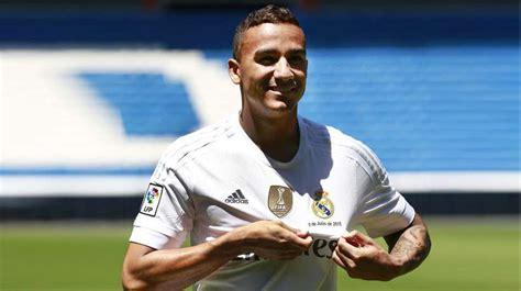 El Real Madrid presenta a Danilo en sociedad