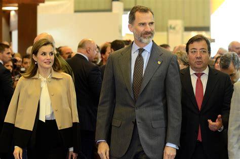 El rey Felipe VI y la reina Letizia inauguran Agroexpo en ...