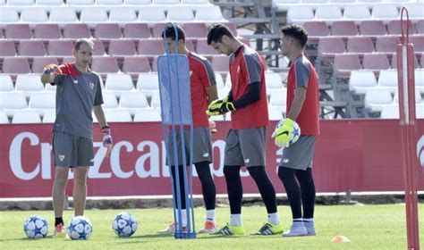 El Sevilla quiere blindar a David Soria