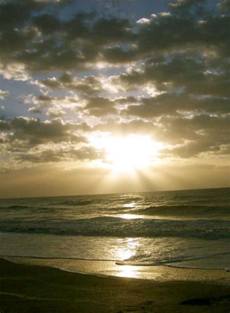 El sol naciente Imagen & Foto | paisajes, mar y playa ...