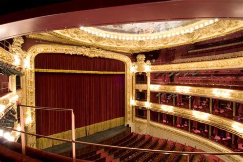 El Teatro - Victoria Eugenia Antzokia
