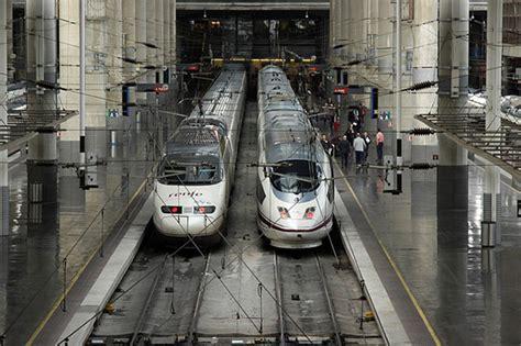 El tercer lote de billetes para trenes AVE a 25 euros que ...