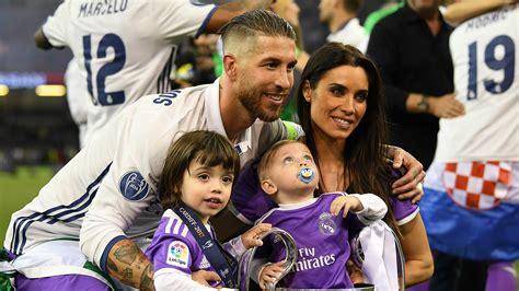 El 'torero' Sergio Ramos y su beso a Pilar Rubio | Goal.com