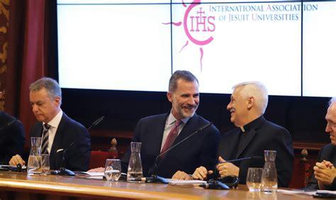 El venezolano Arturo Sosa y el rey de España inauguraron ...