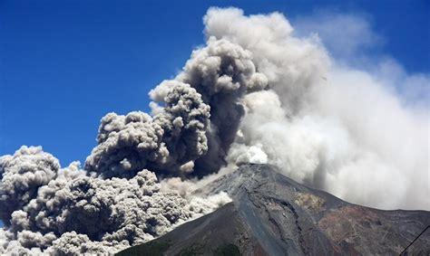 El volcán de Fuego en Guatemala entra en su undécima ...