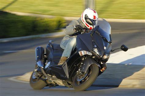 El Yamaha TMAX 530 2012 es el mejor scooter deportivo del ...