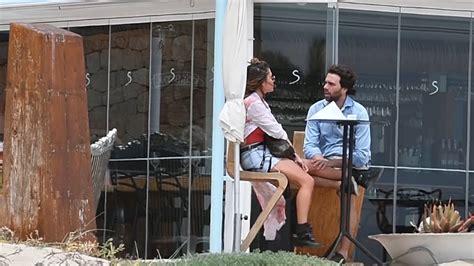 Elena Tablada y Javier Ungría, relax en Ibiza - YouTube
