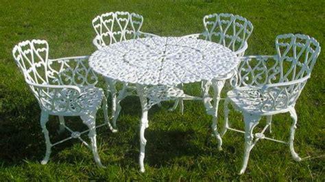 Elige muebles para jardín de acuerdo al estilo de tu casa ...