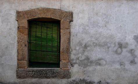 Eliminar la humedad de las paredes usando sal   Decoracion.red