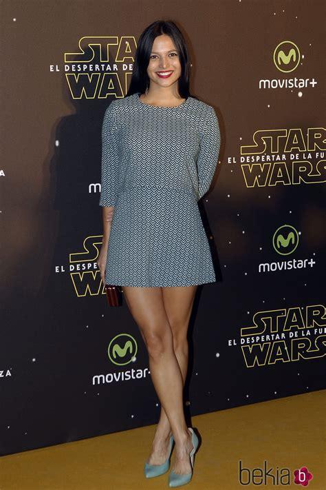 Elisa Mouliaá en el estreno de  Star Wars: El Despertar de ...