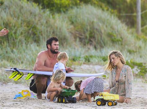 Elsa Pataky y Chris Hemsworth disfrutan de sus tres hijos ...