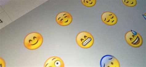 emoticones caras de angelitos emoticonos caritas que ...