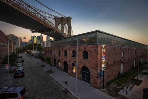 Empire Fulton Ferry   Brooklyn Bridge Park
