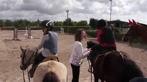 Emprendedores Infocif: Escuela de equitación Bon Sol   YouTube