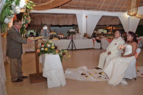 En ceremonia cristiana enlazan sus vidas | .::Diario ...