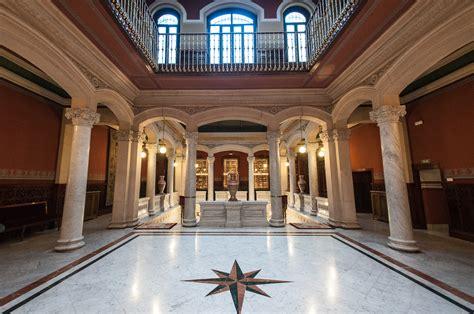En el interior de la Real Academia Española - Libertad ...
