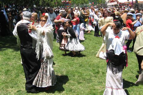 En verano, Madrid se viste de fiesta. Revista de Viajes y ...