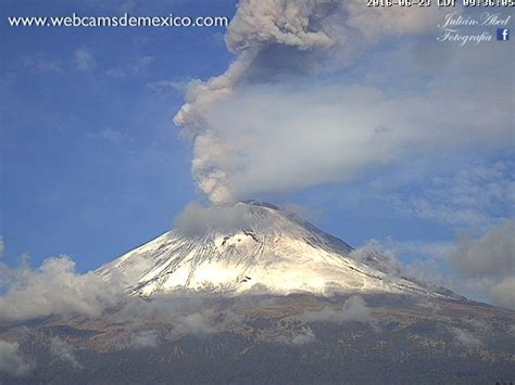 Enhanced activity at Popocatepetl Volcano on June 13, 2016 ...