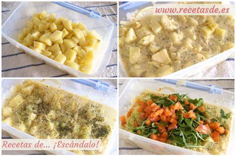 Ensalada alemana de patatas cocidas y salmón ahumado con ...
