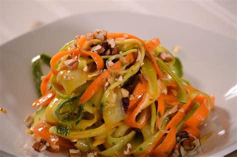 Ensalada de fideos de verduras frescas - Recetas Ligeras ...
