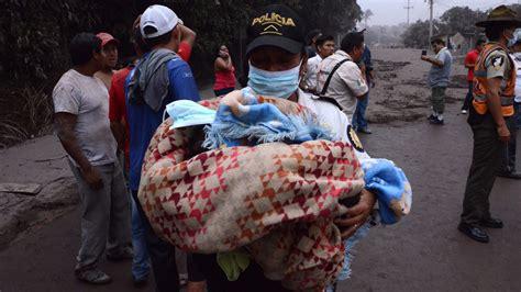 Erupción volcánica   AAl menos 25 muertos y 20 heridos por ...