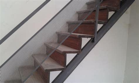 Escaleras Hierro Y Madera   $ 14.000,00 en Mercado Libre