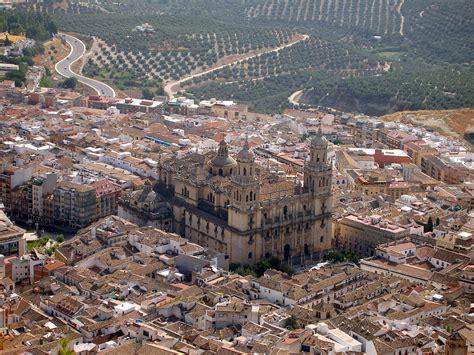 Escapadas baratas puente de octubre: Valencia, Jaén y la ...