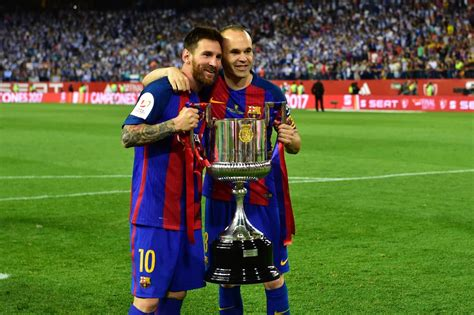 Espagne: Messi offre la Coupe du Roi à Luis Enrique pour ...