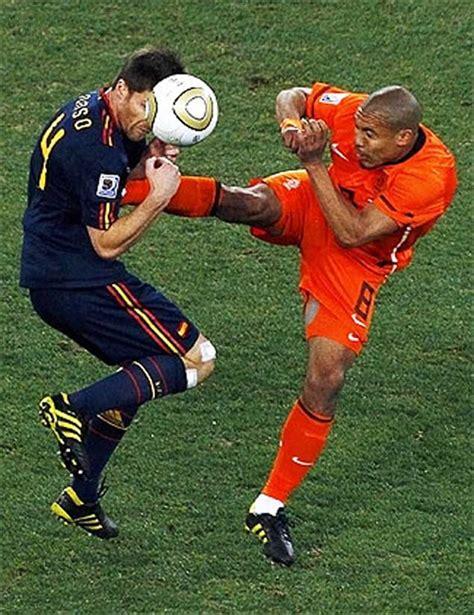 España Campeona del Mundial Sudáfrica 2010 Agresión ...