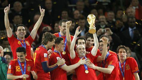España gana su primer Mundial con gol de Iniesta (2010)