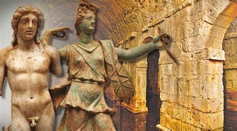 Espectaculares estatuillas de Apolo y Artemisa son ...