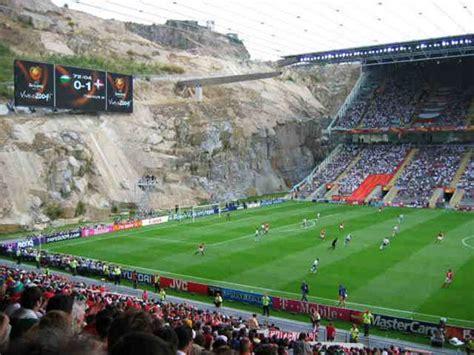 Estadios mas raros del mundo. | Portalnet.cl