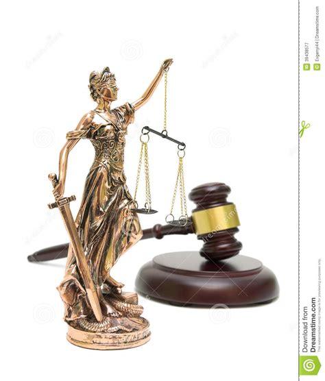 Estatua De La Justicia Y Mazo En El Fondo Blanco Imagen de ...