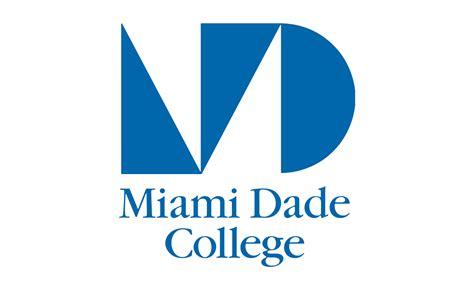 Estudiante homeless se gradúa en Miami Dade College ...