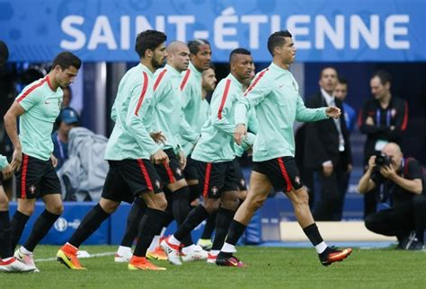 Euro 2016 live streaming: Watch Portugal vs Iceland live ...