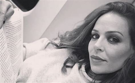 Eva González luce tipazo un mes después de dar a luz | El ...