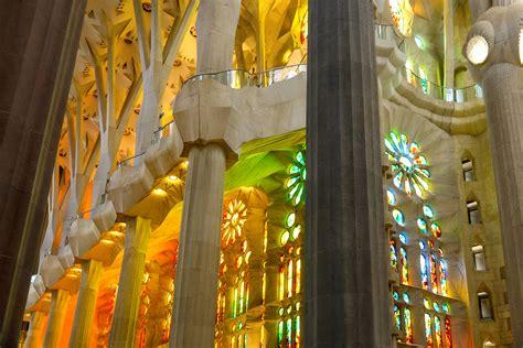 Explore Barcelona: La Sagrada Família + 10 Short Facts ...