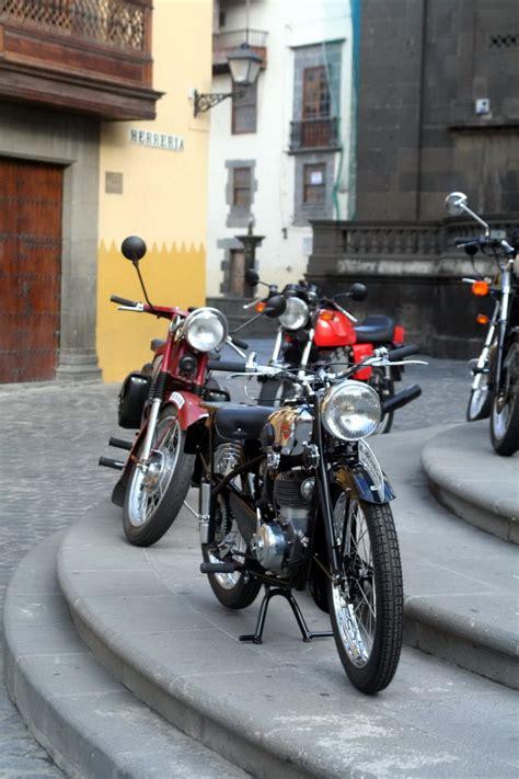 Exposición de motos Antiguas y Clásicas en Vegueta ...
