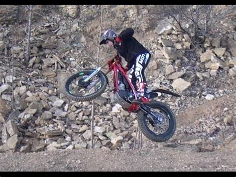 Extreme Enduro & Trials Motorcycle Vertical Rock Climb ...