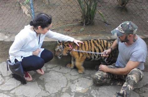 FAADA | El Zoo de Castellar de la Frontera sigue sin ...