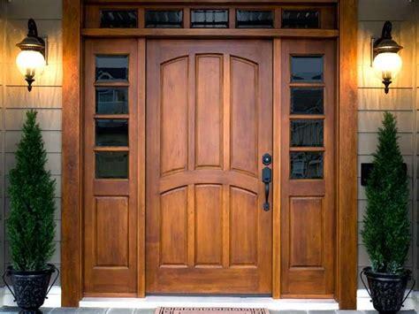 Fabricante de puertas y ventanas de madera con armarios a ...